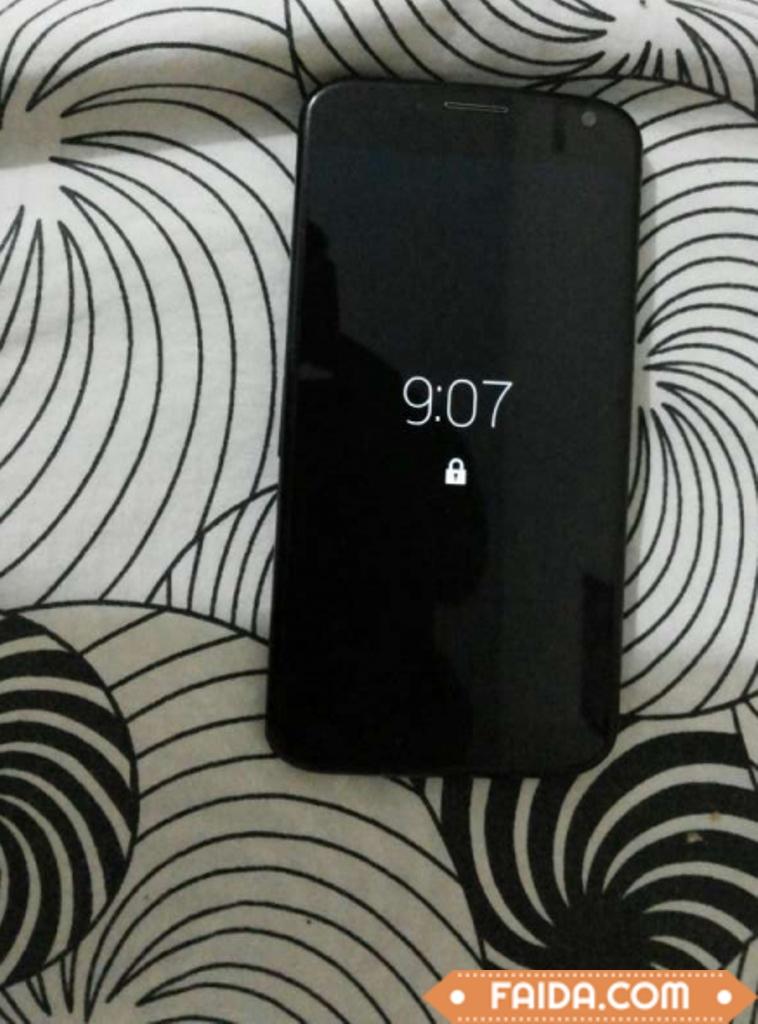 moto brand Z mobile in black color