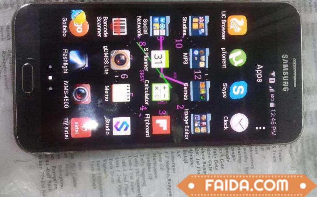 Samsung E7 mobile phone in black colour